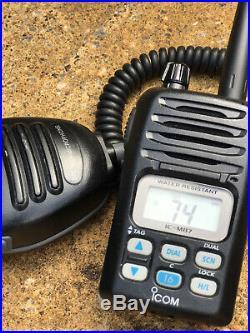 Icom IC-M87 VHF Marine Boat radio 5W handheld & Icom HM 138 speaker mic